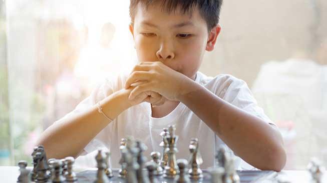 Melatih Otak Melalui Permainan, Alat Musik, dan Bahasa Asing
